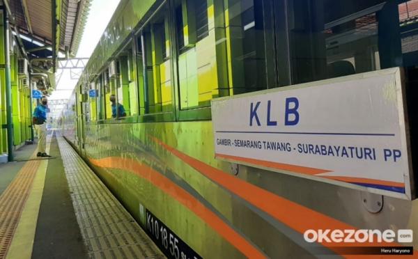 https: img.okezone.com content 2020 08 02 338 2255745 akhir-pekan-ini-3-200-penumpang-kereta-tiba-di-jakarta-b6Sd53THRM.jpg
