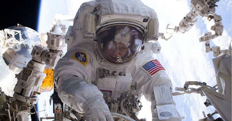 https: img.okezone.com content 2020 08 03 16 2256130 nasa-siapkan-misi-peluncuran-6-astronot-ke-iss-pada-september-DQiu7GDMAg.jpg