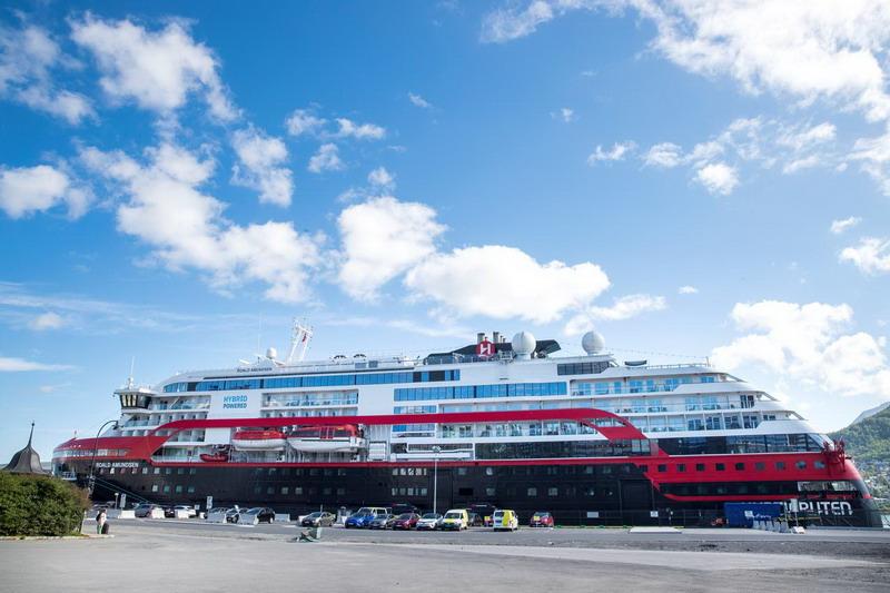 https: img.okezone.com content 2020 08 03 18 2255950 40-penumpang-dan-awak-kapal-pesiar-norwegia-positif-terinfeksi-covid-19-dtqboP6isn.jpg