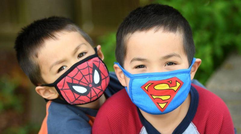 https: img.okezone.com content 2020 08 03 481 2256078 ajari-anak-memakai-masker-coba-pilih-motif-menarik-moms-T18r2BXpFk.jpg