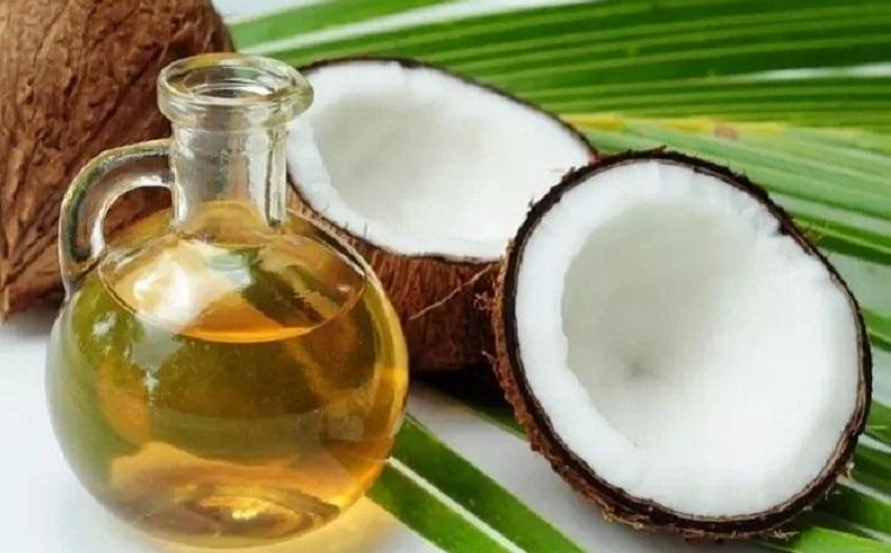 https: img.okezone.com content 2020 08 03 611 2256297 4-manfaat-minyak-kelapa-untuk-kecantikan-CWLBHAhGka.jpg