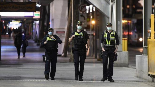 https: img.okezone.com content 2020 08 04 18 2256876 negara-bagian-australia-kerahkan-militer-dan-denda-untuk-terapkan-lockdown-hPmvpCABoT.jpg
