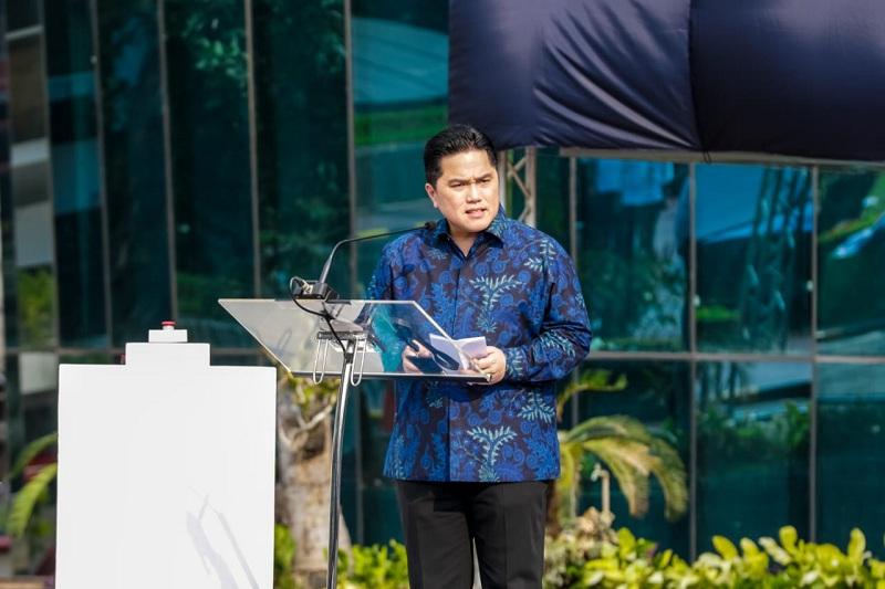 https: img.okezone.com content 2020 08 04 320 2256951 erick-thohir-angkat-bakir-pasaman-jadi-bos-baru-pupuk-indonesia-YDAey8uKG2.jpg