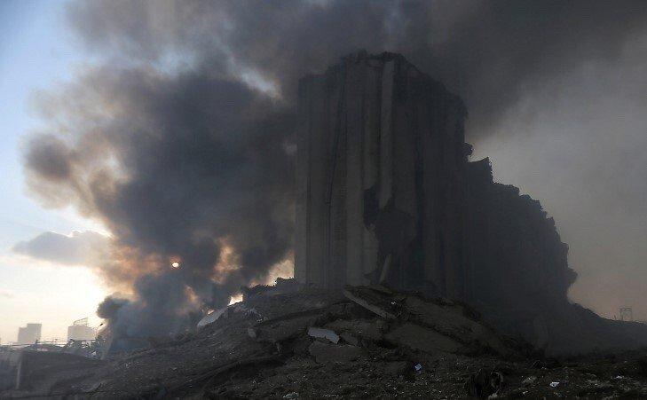 https: img.okezone.com content 2020 08 05 18 2257060 ledakan-di-beirut-diduga-berasal-dari-gudang-bahan-peledak-10-tewas-dan-ratusan-terluka-ZGgIWoiNzh.jpeg