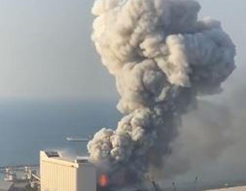 https: img.okezone.com content 2020 08 05 18 2257103 update-ledakan-di-beirut-menkes-lebanon-catat-70-tewas-dan-2-700-terluka-TLLZlX6WQi.jpg