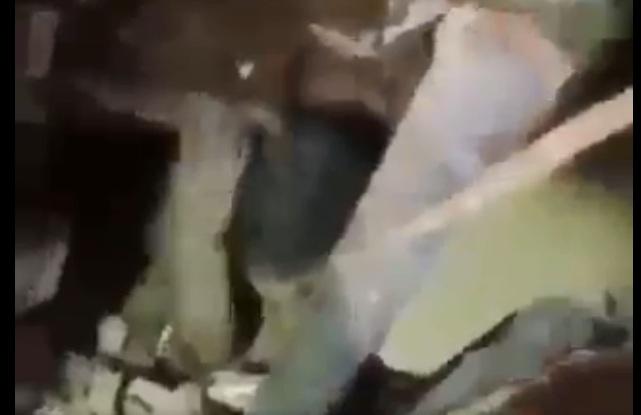 https: img.okezone.com content 2020 08 06 18 2257756 ledakan-beirut-gadis-kecil-ditemukan-hidup-setelah-24-jam-terkubur-di-bawah-puing-YElx7YOnOk.jpg