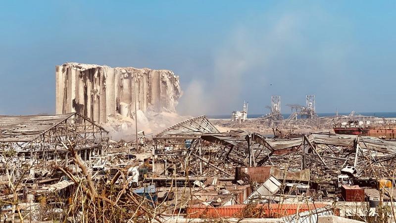 https: img.okezone.com content 2020 08 06 18 2257864 dampak-ledakan-beirut-300-000-orang-kehilangan-tempat-tinggal-dVbWIwalZZ.jpg