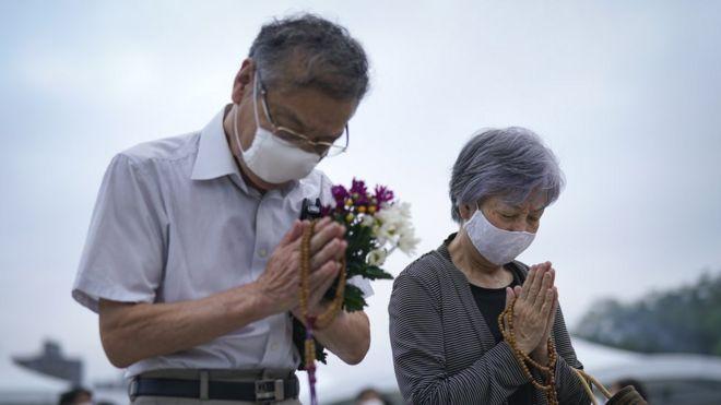 https: img.okezone.com content 2020 08 06 18 2257965 jepang-peringati-75-tahun-jatuhnya-bom-atom-hiroshima-9a4GqmaJ9u.jpg