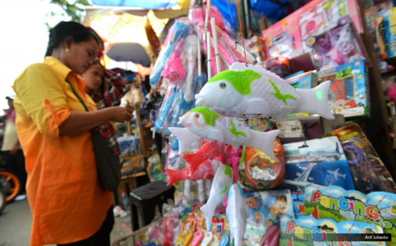 https: img.okezone.com content 2020 08 06 620 2257945 mainan-impor-dari-china-banjiri-ri-selama-covid-19-GDUgCgavRN.jpg