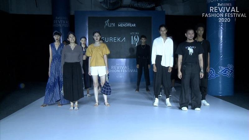 https: img.okezone.com content 2020 08 07 194 2258812 bernuansa-rintik-intip-fashion-karya-eureka-di-revival-fashion-festival-2020-EGC2OutRS1.jpg