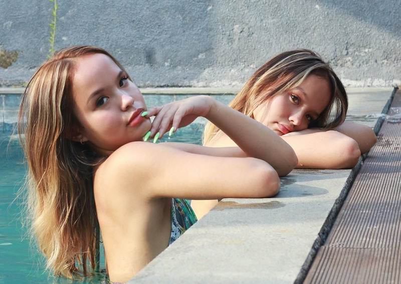 https: img.okezone.com content 2020 08 07 196 2258478 the-connell-twins-viral-psikolog-sentil-influencer-penebar-hal-negatif-TMeiZfQTsG.jpg