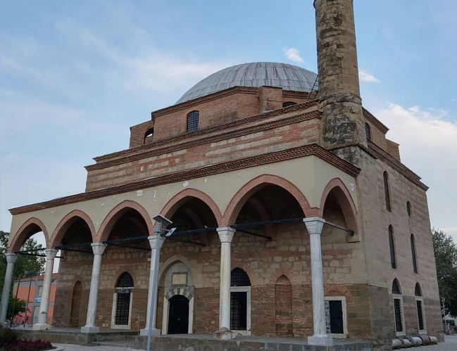 https: img.okezone.com content 2020 08 07 614 2258393 masjid-bersejarah-era-kekaisaran-ottoman-di-yunani-dilempari-batu-KtHBI7sTiT.JPG