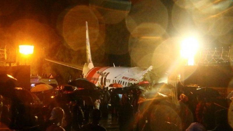 https: img.okezone.com content 2020 08 08 18 2258869 pesawat-india-terbelah-dua-16-orang-tewas-IN7PKZqlZs.jpg