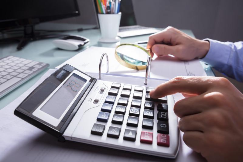 https: img.okezone.com content 2020 08 09 320 2259268 7-alasan-pentingnya-membuat-perencanaan-keuangan-1nbTafLGd5.jpeg