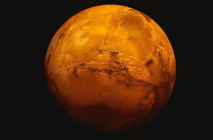 https: img.okezone.com content 2020 08 10 16 2259602 peneliti-temukan-planet-mars-bersinar-hijau-di-malam-hari-rziFwGYpxR.jpg