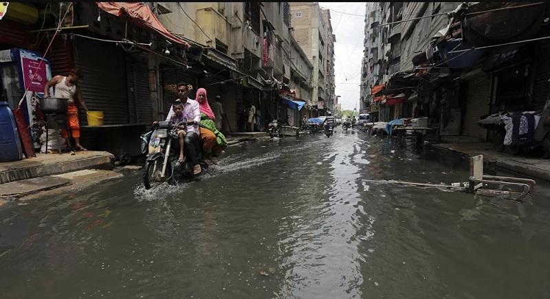 https: img.okezone.com content 2020 08 10 18 2260014 banjir-besar-pakistan-tewaskan-58-orang-hX3T7T36Q6.jpg