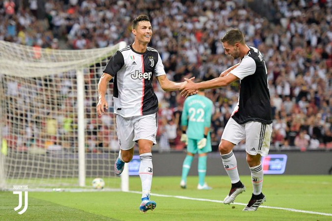 https: img.okezone.com content 2020 08 10 51 2259816 cristiano-ronaldo-terpaut-30-gol-dari-rekor-pele-sanggup-kejar-WfWSFhLCAM.jpg