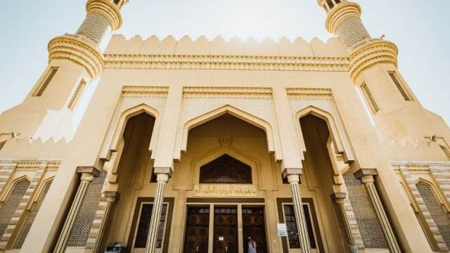 https: img.okezone.com content 2020 08 10 615 2259638 cukup-scan-kode-qr-jamaah-di-masjid-ini-langsung-dapat-kisah-sahabat-wJvhYXVwz6.jpg
