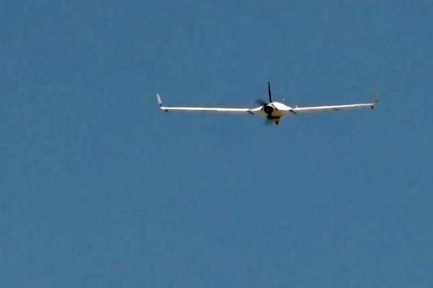 https: img.okezone.com content 2020 08 11 16 2260543 indonesia-kembangkan-pesawat-drone-bisa-terbang-24-jam-IcSBuKyIJA.jpg