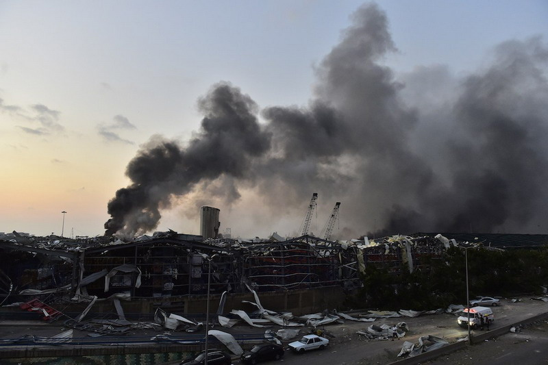 https: img.okezone.com content 2020 08 11 18 2260274 ribuan-ton-bahan-kimia-penyebab-ledakan-beirut-dipesan-oleh-perusahaan-mozambik-LVUYbQhJiJ.jpg