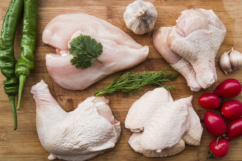 https: img.okezone.com content 2020 08 11 298 2260598 5-manfaat-daging-ayam-untuk-kesehatan-ampuh-lawan-segala-penyakit-FU3yBgprp5.jpg