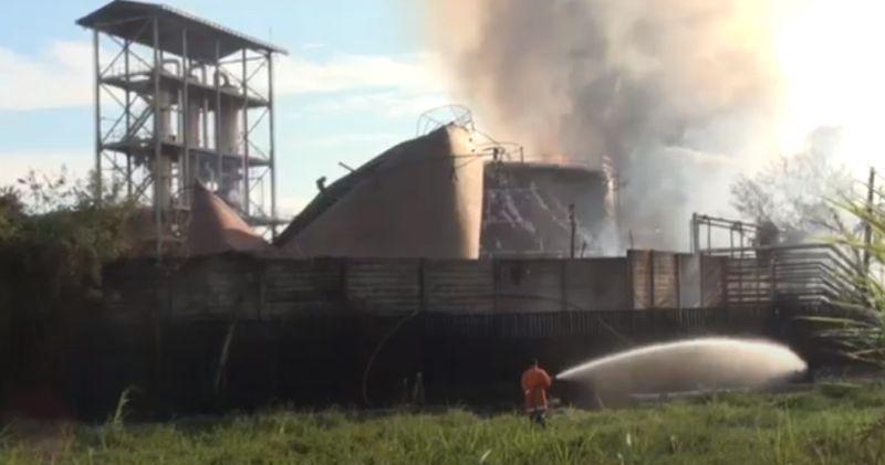 https: img.okezone.com content 2020 08 11 519 2260116 ini-identitas-10-korban-luka-dan-1-tewas-akibat-kebakaran-pabrik-bioetanol-mkbkU6wTo5.jpg