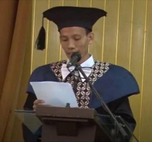 https: img.okezone.com content 2020 08 12 614 2260841 viral-udin-si-marbot-masjid-kini-jadi-profesor-di-yogyakarta-1qZiD6CrSs.jpg