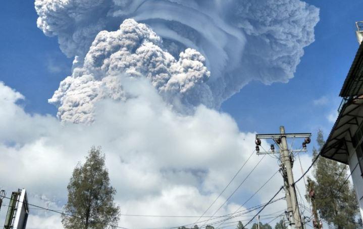 https: img.okezone.com content 2020 08 12 614 2260859 erupsi-gunung-sinabung-sudah-tertulis-di-lauhul-mahfuzh-ini-penjelasannya-KfMXbyMLUL.JPG