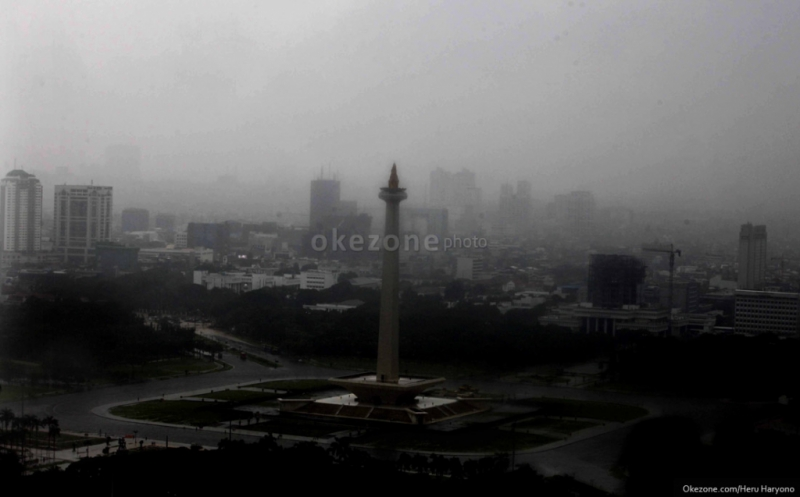 https: img.okezone.com content 2020 08 13 618 2261835 ternyata-ini-yang-dilakukan-rasulullah-saat-terjadi-hujan-badai-patut-diamalkan-apnjRXF2dz.jpg