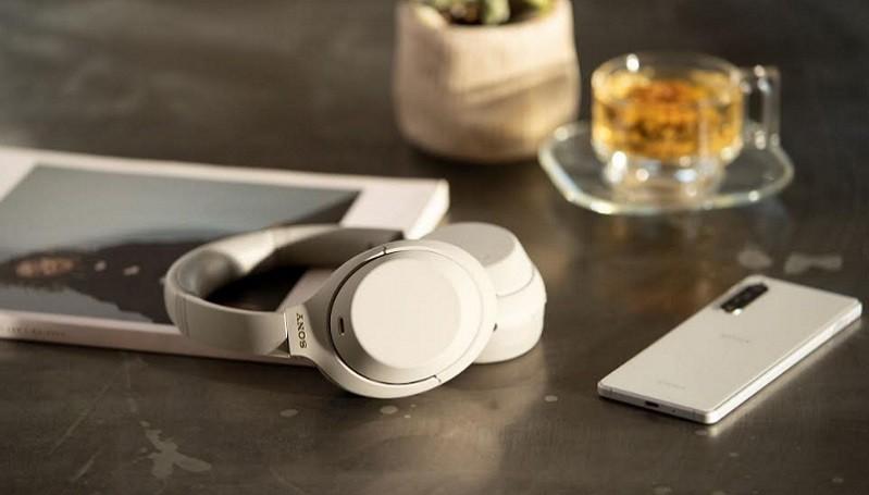 https: img.okezone.com content 2020 08 14 16 2262443 sony-ungkap-teknologi-headphone-nirkabel-terbaru-qu1hVuWCDO.jpg