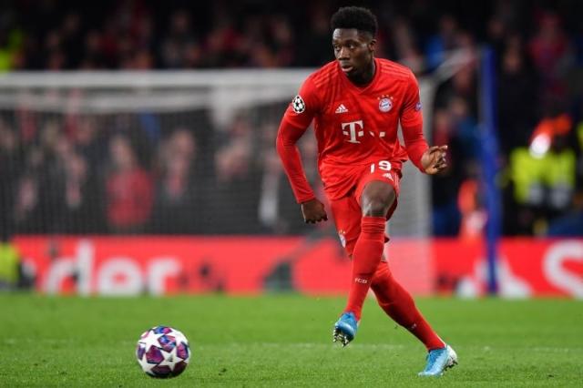 Bayern Munich vs Barcelona, Alphonso Davies Akan J