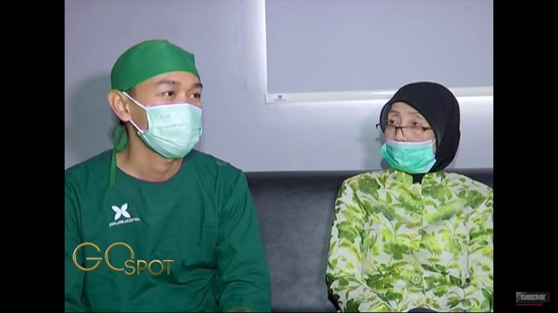 https: img.okezone.com content 2020 08 14 33 2262210 kesehatan-nani-wijaya-menurun-usai-ditinggal-pergi-suami-jmwopuSXRY.jpg