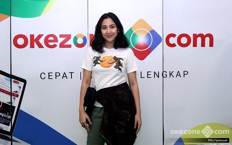 https: img.okezone.com content 2020 08 15 205 2262664 5-lagu-bertema-nasionalisme-bangkitkan-rasa-cinta-pada-indonesia-I06I2rO59c.jpg