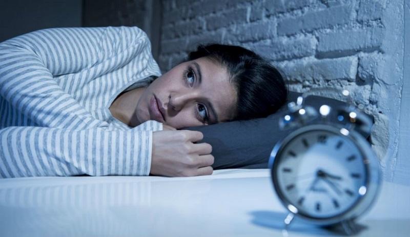 https: img.okezone.com content 2020 08 15 481 2262626 cek-7-penyebab-insomnia-apakah-kamu-mengalaminya-6sb9knl1XP.jpg