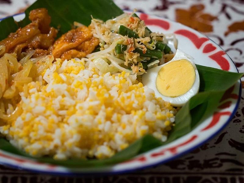 https: img.okezone.com content 2020 08 16 298 2263071 resep-nasi-jagung-dan-asem-asem-ayam-makanan-favorit-presiden-soekarno-7gJV28sH0c.jpg