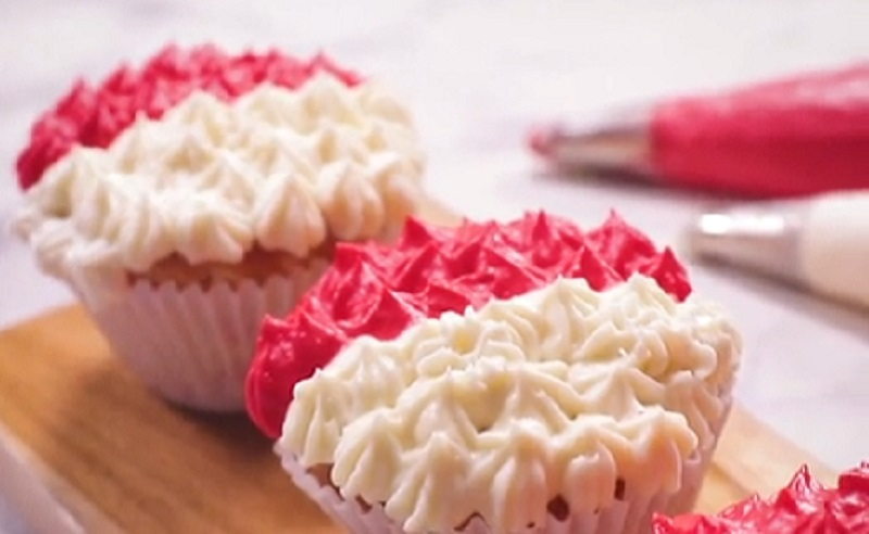 https: img.okezone.com content 2020 08 17 298 2263426 resep-cup-cakes-merah-putih-wajib-dicoba-gbnbi7ioHs.jpg