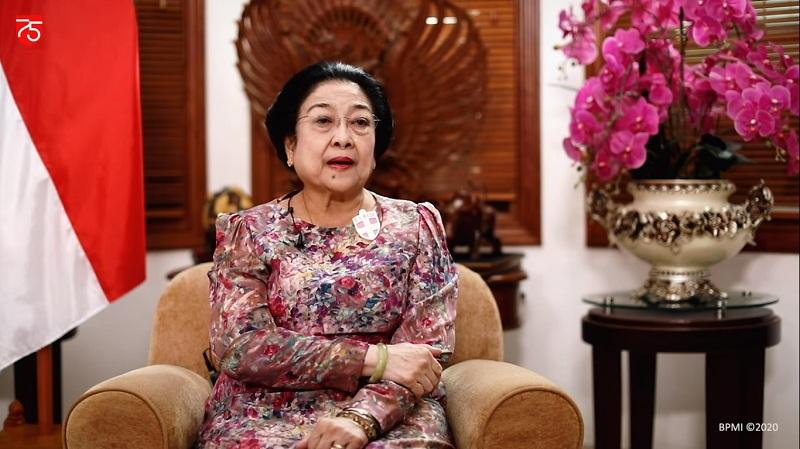 https: img.okezone.com content 2020 08 17 337 2263370 75-tahun-indonesia-merdeka-megawati-nilai-kiprah-perempuan-di-politik-masih-kurang-E7xt9rWaeL.jpg