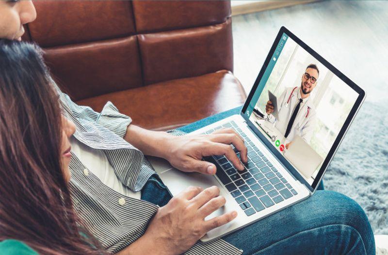 https: img.okezone.com content 2020 08 17 481 2263454 tak-cuma-konsultasi-telemedicine-bisa-digunakan-untuk-panggil-ambulans-CKLj3sZraW.jpg