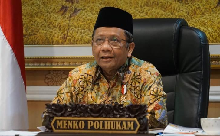 https: img.okezone.com content 2020 08 17 614 2263582 mahfud-md-islam-wasathiyah-cocok-untuk-bangsa-indonesia-6kpZWwh3WV.jpg