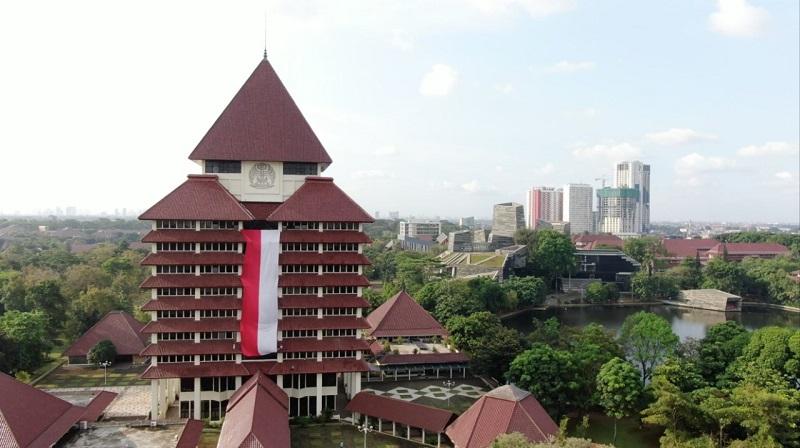 https: img.okezone.com content 2020 08 17 65 2263534 bendera-merah-putih-raksasa-berkibar-di-gedung-rektorat-ui-SdoFhzY4Ii.jpg