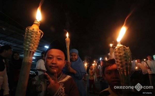https: img.okezone.com content 2020 08 19 338 2264407 masyarakat-jakarta-diperbolehkan-sambut-tahun-baru-islam-di-tangah-pandemi-covid-19-0dLRRyb1EZ.jpg