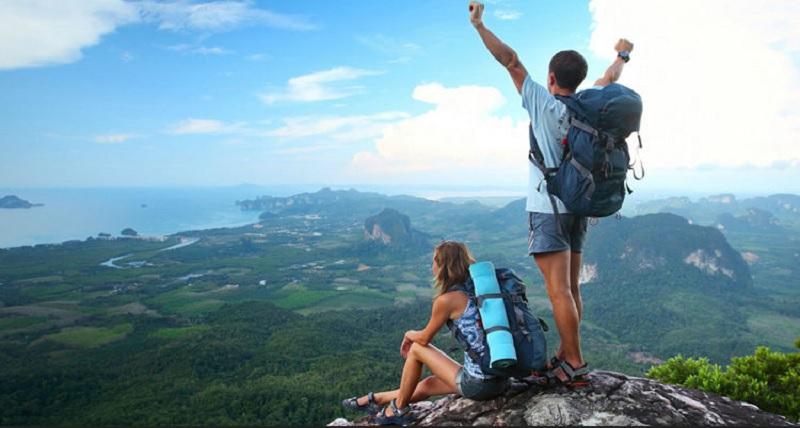 https: img.okezone.com content 2020 08 20 406 2264846 rekomendasi-asuransi-untuk-pencinta-olahraga-ekstrem-dan-traveler-sejati-gQhemQ97Kw.jpg