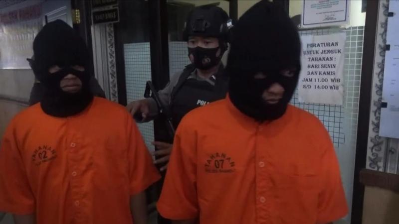 https: img.okezone.com content 2020 08 22 340 2265715 napi-asimilasi-kembali-ditangkap-setelah-jambret-sejumlah-wanita-quNkq6cFxe.jpeg