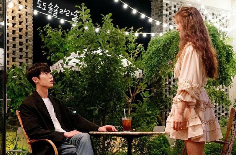 https: img.okezone.com content 2020 08 22 598 2265764 banyak-artis-positif-covid-19-sederet-drama-film-korea-hentikan-syuting-3MClIq2AD9.jpg