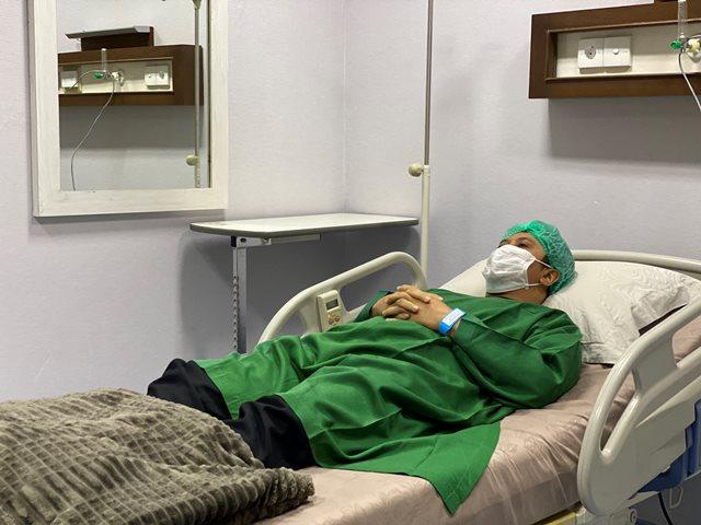 https: img.okezone.com content 2020 08 22 614 2265735 dirawat-di-rumah-sakit-ustadz-yusuf-mansur-minta-doa-buat-saya-MwxSHArKxZ.jpg