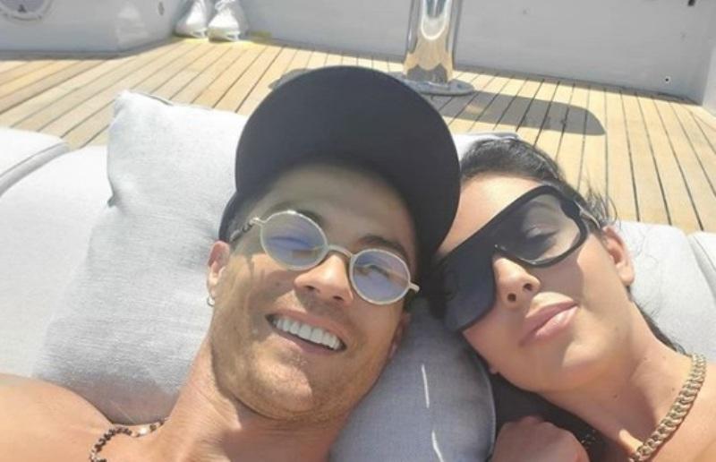 unggah foto menghebohkan georgina rodriguez dilamar cristiano ronaldo lJkXWa1rGK - Cristiano Ronaldo Sedang Kasmaran
