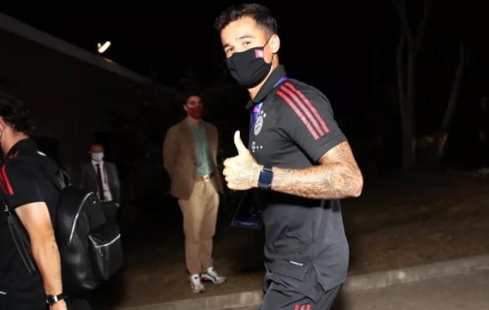 https: img.okezone.com content 2020 08 24 261 2266612 coutinho-raih-trofi-liga-champions-barcelona-bayar-rp86-6-miliar-ke-liverpool-CaMaR0xCj6.jpg