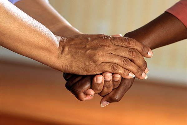https: img.okezone.com content 2020 08 24 330 2266411 ini-dalil-pentingnya-memiliki-sikap-toleransi-dalam-kehidupan-bermasyarakat-HYvRsVjwjB.jpg