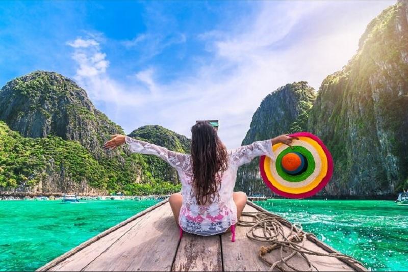 https: img.okezone.com content 2020 08 24 406 2266487 4-tren-pariwisata-aman-di-tengah-adaptasi-kebiasaan-baru-xxgcI93i1m.jpg