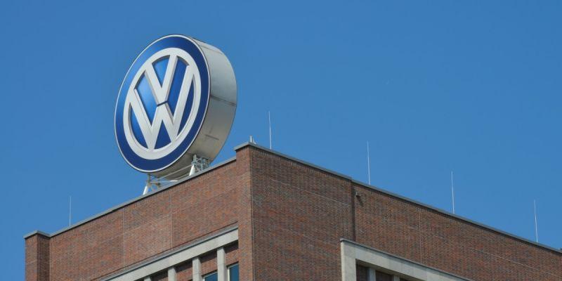 https: img.okezone.com content 2020 08 24 52 2266645 volkswagen-produksi-mobil-listrik-terbarunya-di-3-negara-KjfiaNBilW.jpg